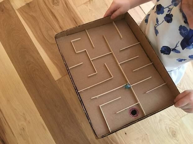 Идеи из коробок и газет, которые можно попробовать в самоизоляции