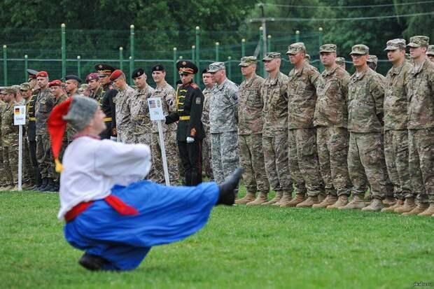 Стратегическое попрошайничество, бандуристы на Кавказе и другие радости Украины