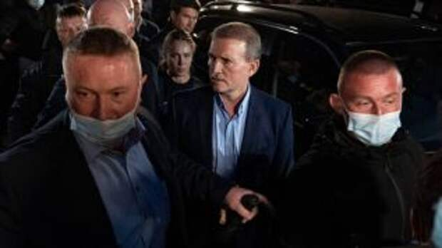 Медведчука отправили под домашний арест