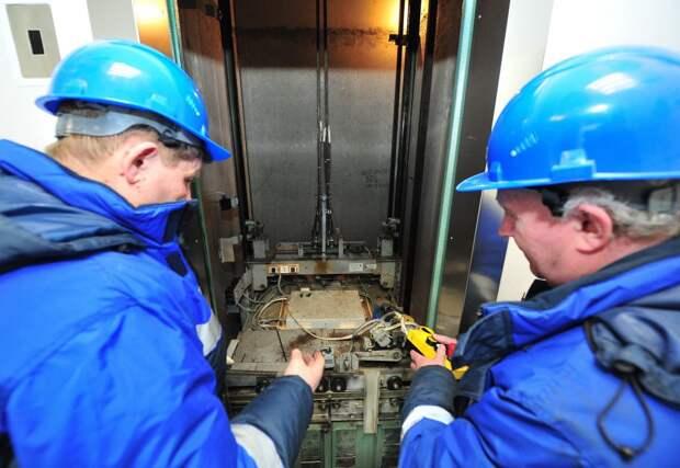 В доме на Ярославке починили лифт