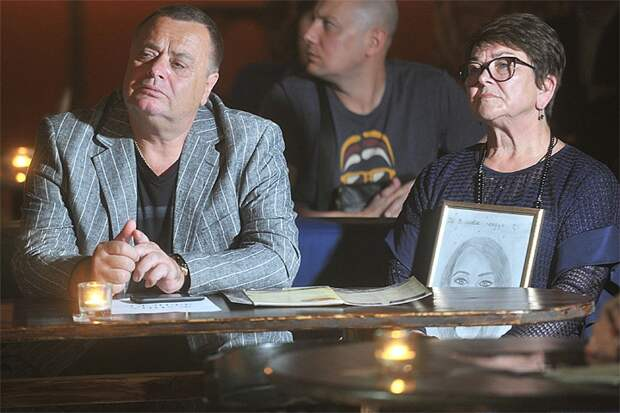 Родители Жанны Фриске хотят продать доли в квартире внуку Платону