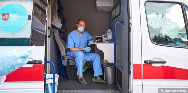 В Москве мобильные точки вакцинации от гриппа стали доступнее. Фото:.М.Денисов, mos.ru