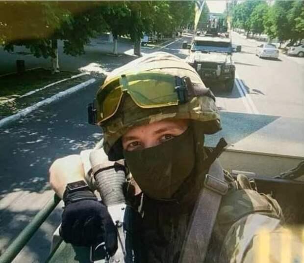 В разрушенном аэропорту Луганска вывесили фото Протасевича, как и просил ЕС
