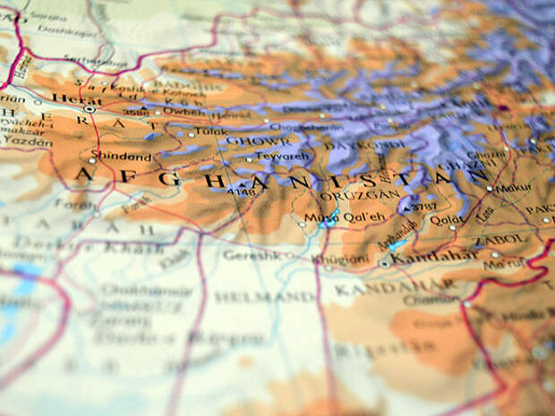 США обсудят с талибами вывод войск из Афганистана