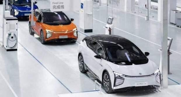 У Tesla Model X появился уникальный семидверный конкурент. При этом электрический кроссовер HiPhi X оказался дешевле