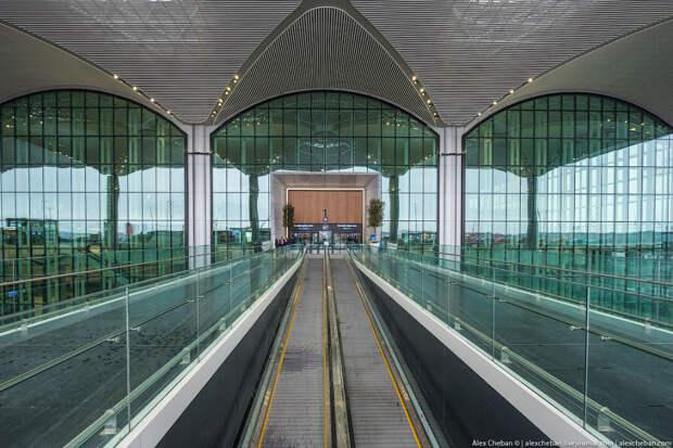 Прогулка по самому большому аэропорту в мире