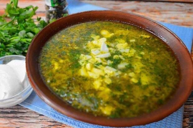 Щавелевый суп с рисом и сметаной