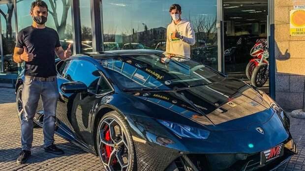 Форвард «Барселоны» Тринкау купил эксклюзивный спорт-кар за 250 тыс евро. Позавчера он забил 1-й гол за каталонцев