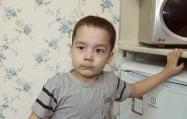 Зрители ТВЦ собирают средства на лечение 3-летнего Коли Куланина
