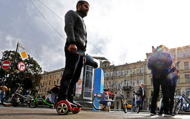 Новые правила движения: для электросамокатов и гироскутеров