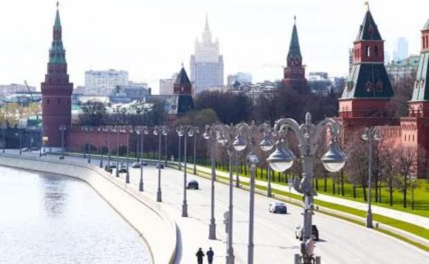 Михаил Делягин: Кремль ушел в оборону, накопив триллионы