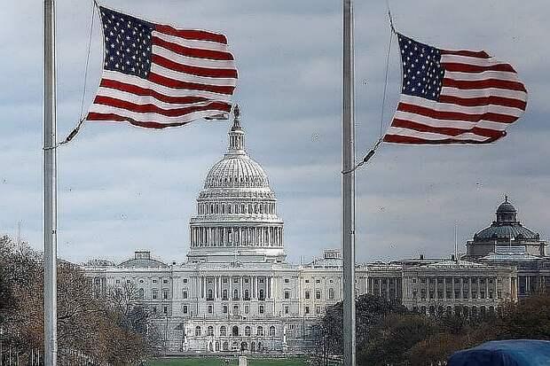 Сенатор в США призвал разработать законопроект о реагировании на «вызовы» КНР