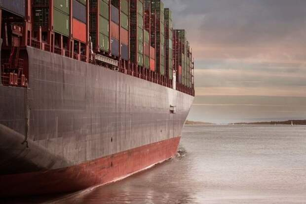 Сухогруз сел намель вКаспийском море— движение судов остановлено