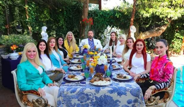 Секс, блондинки иАллах: как турецкий телепроповедник создал культ разврата под прикрытием религии