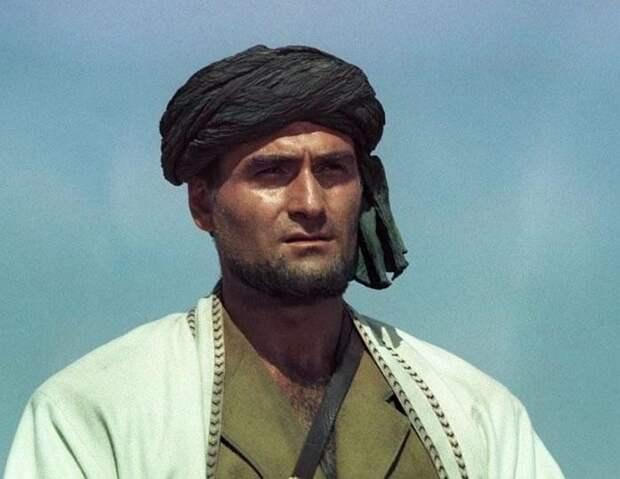 В Тбилиси простились со звездой фильма «Белое солнце пустыни» Кахи Кавсадзе