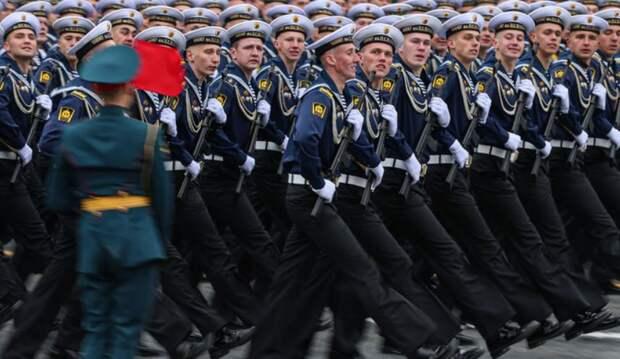Иностранцы встали на защиту русских, увидев парад Победы в Москве