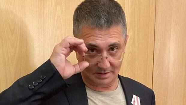 Доктор Мясников поддержал инициативу об обязательной вакцинации от COVID-19 в России