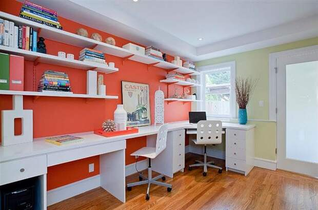 http://stylingroom.ru/wp-content/uploads/2015/02/Open-white-shelves-and-desks-add-to-the-impact-of-orange-in-the-home-office-Custom.jpg