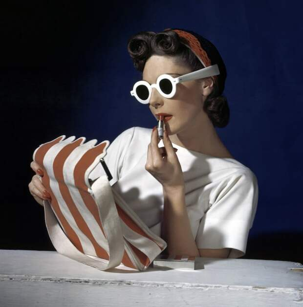Хорст П. Хорст в 1939 году сделал снимок модели для выпуска журнала Vogue.