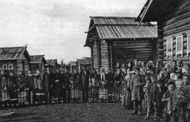 Русская деревня регулярно страдала от голода. /Фото: livejournal.com.