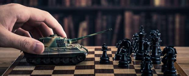 Михаил Хазин: Элитные либералы начали прямую войну против Путина