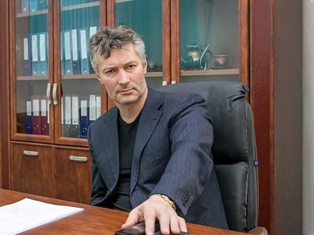 Екатеринбургский суд решил сутками ареста наказать Ройзмана за ретвит