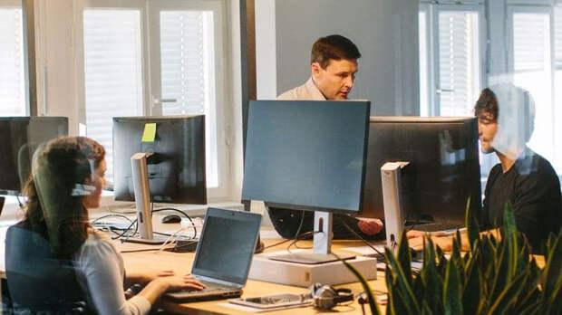 IT- компании с аудиторией более 0,5 млн могут обязать открывать офисы в РФ
