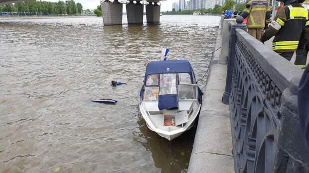 Петр Бирюков: Московские спасатели оказали помощь более 200 отдыхающим у водоемов
