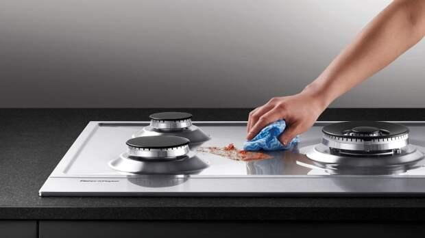 После применения кондиционера плита будет сиять. / Фото: grettamebel.ru
