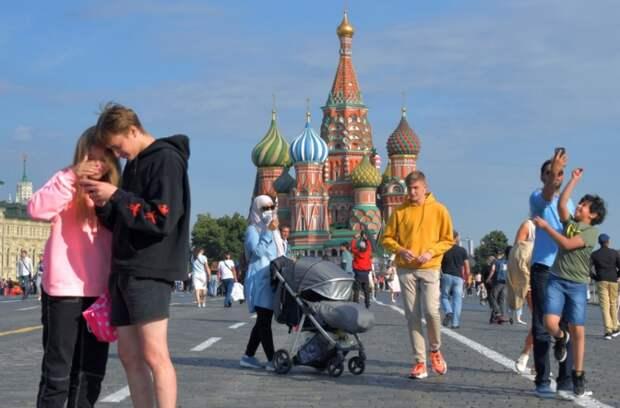 Пандемия COVID-19: День России без локдауна