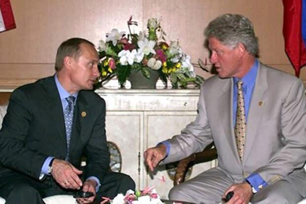 В США опубликовали детали беседы Путина и Клинтона о гибели подлодки «Курск»