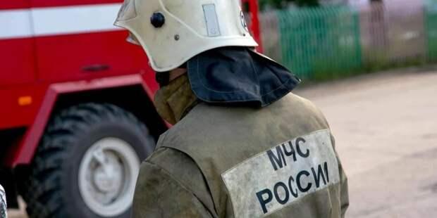 В ангаре в Петербурге случился пожар
