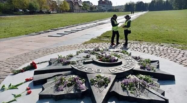 МИД России направил Киеву ноту из-за планов уничтожить копию ордена Отечественной войны во Львове
