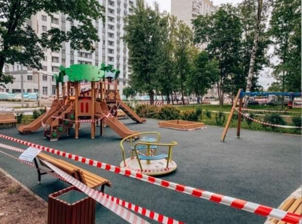На Тайнинской завершилось благоустройство детской площадки