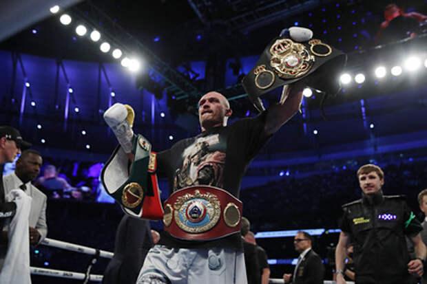 Украинский боксер Усик одержал победу в поединке с Джошуа