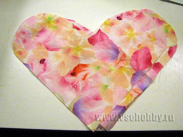 две детали сердечка из ткани для пошива подушечки с вишнёвыми косточками