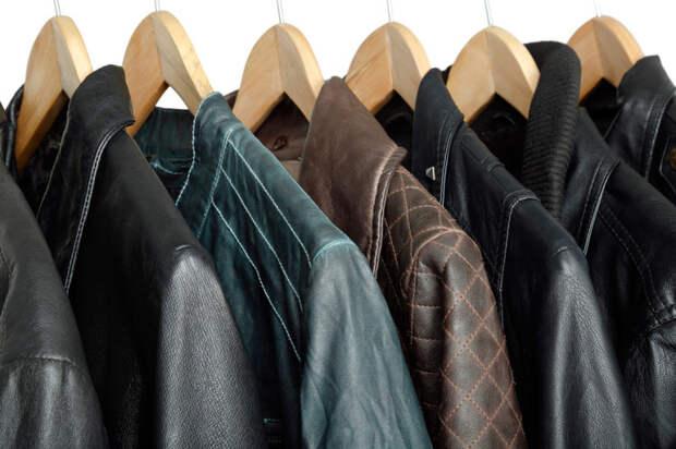 Как гладить одежду из кожзама: секреты и особенности