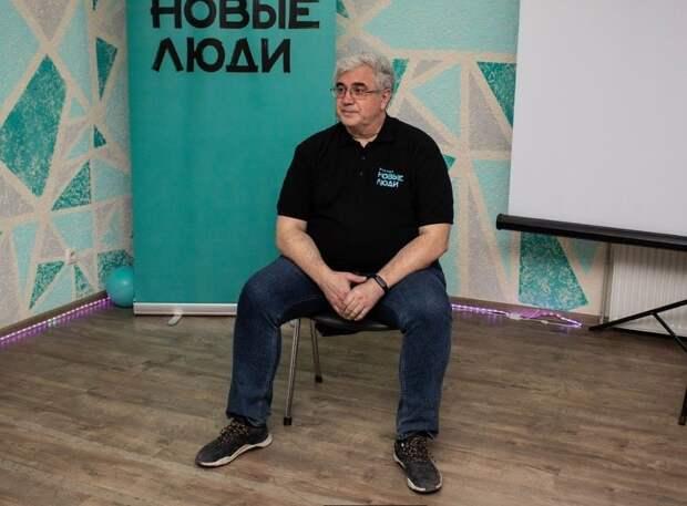 Писатель-фантаст Роман Злотников рассказал о партии «Новые люди» и о будущем Крыма