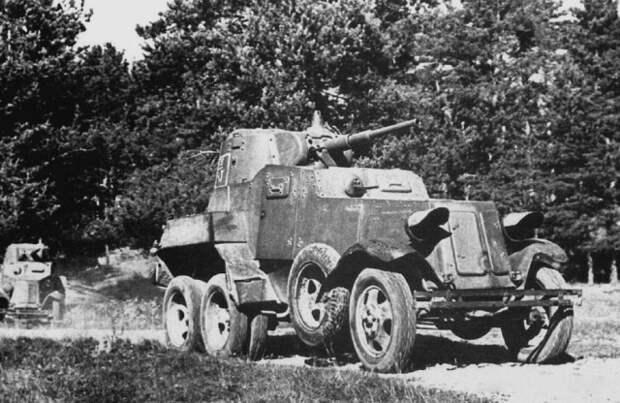 Бронированная машина БА 10 – не танк и не бронеавтомобиль
