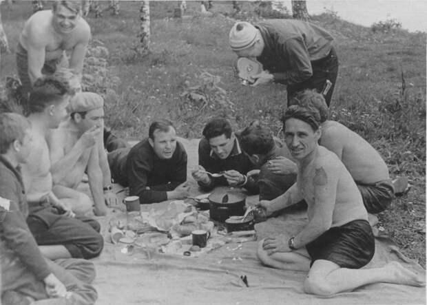 Как развлекались вСССР: 12 любимых занятий всех советских мужчин