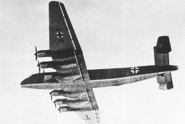 Летал ли бомбардировщик в Америку до сих пор остается загадкой. | Фото: ZBiAM.
