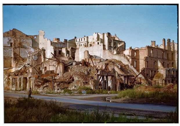 Warsaw after World War II, in August 1947 (18)