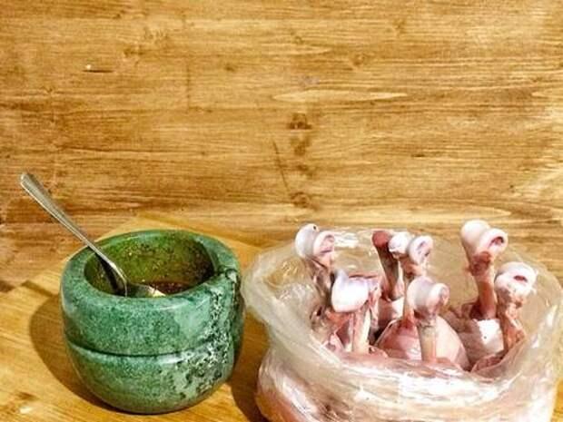 Куриные леденцы / Chiken lollipops recipe step 2 photo