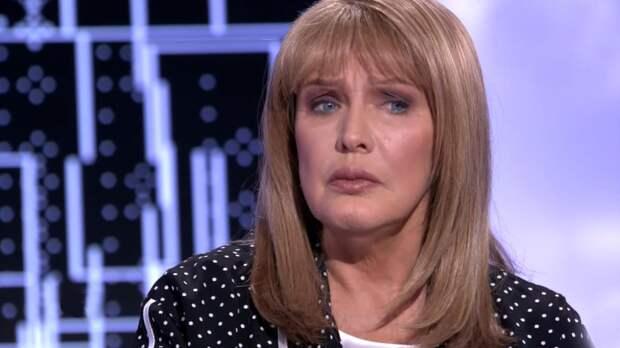 Она пострадала психологически: Никас Сафронов заступился за Елену Проклову