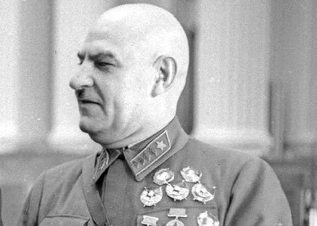 «Маршал-катастрофа»: за что Сталин казнил Григория Кулика
