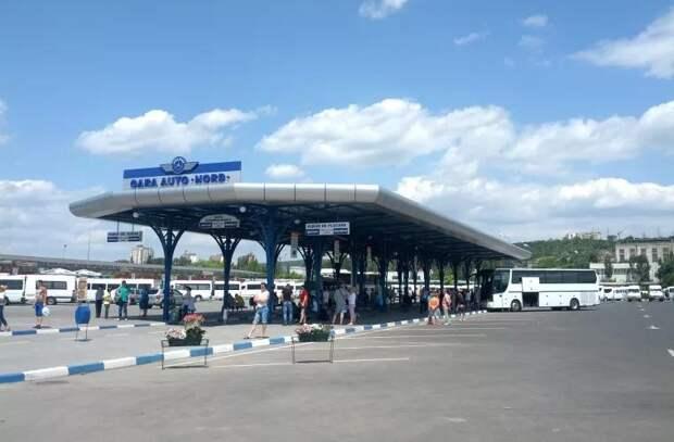 Столичные автовокзалы опустели