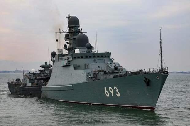 Avia.pro: российские боевые корабли перекрыли флоту Украины выход в Азовское море