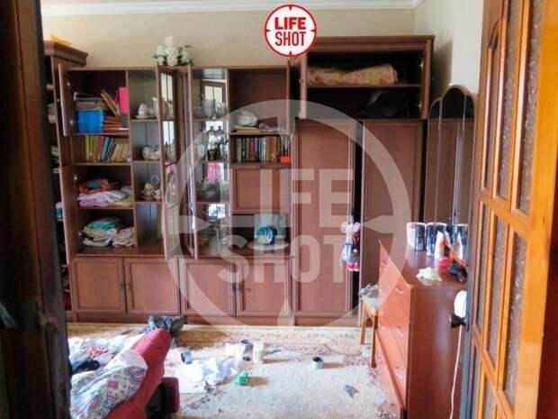 Несколько месяцев Ильназ жил один - родители съехали в другую квартиру