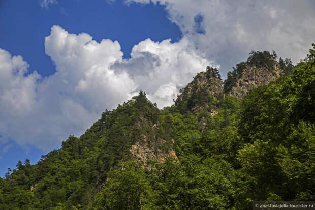 Край скал и водопадов, Гузерипль...