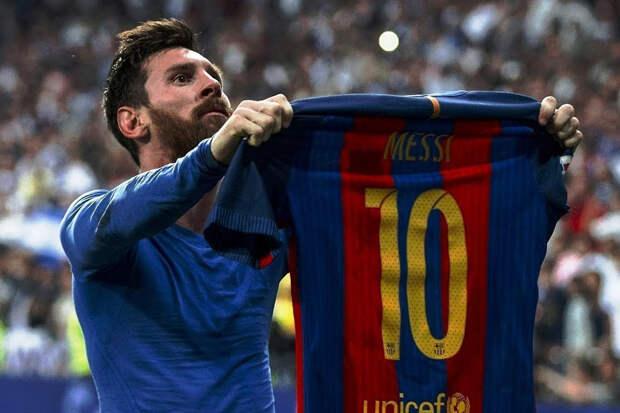 Месси повторил рекорд Пеле по числу голов за один клуб